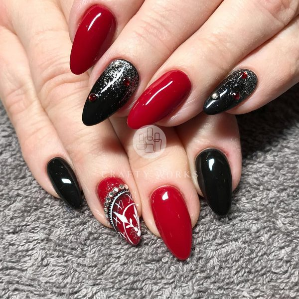 Credit Red And Black Nails Idea