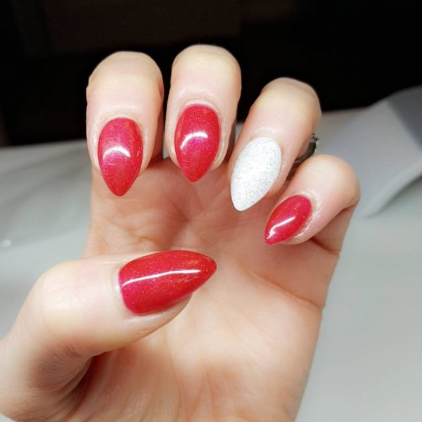 Nails Red: Gorgeous Winter Red Nail Art Designs