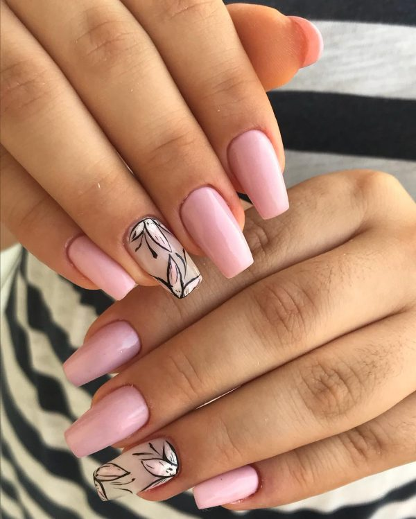 Amazing baby pink coffin nails with accent nude floral nail!