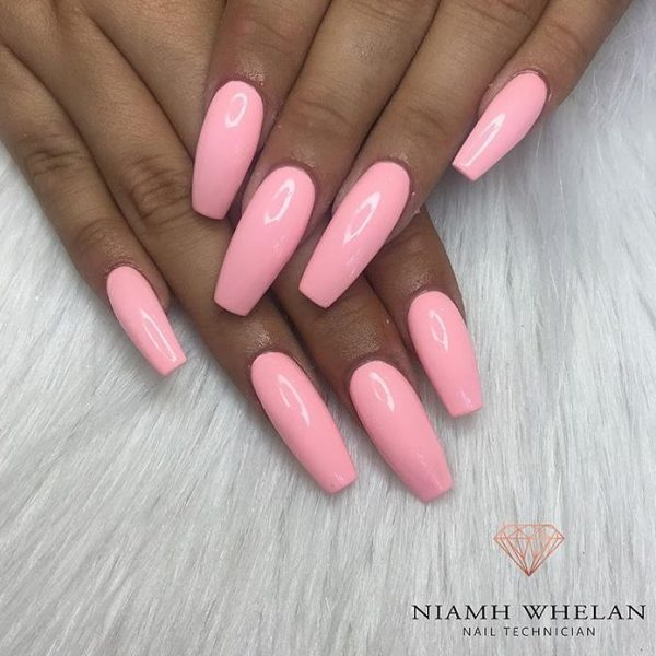 Stunning glossy baby pink coffin nails!