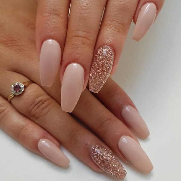 Awesome Coffin Nails With Accent Rose Gold Glitter Nail