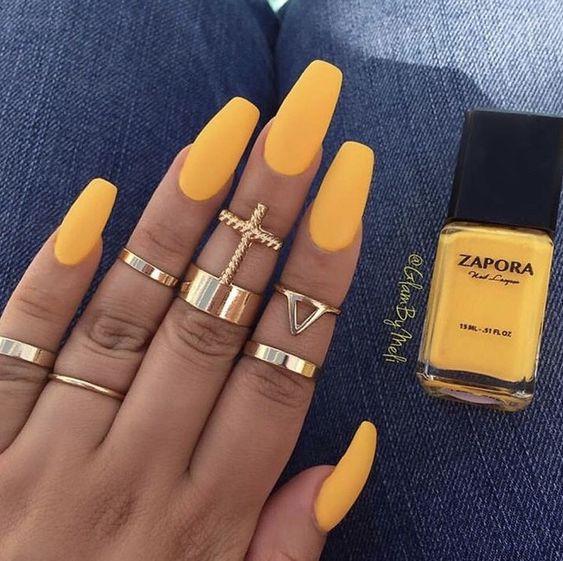 Gorgeous yellow matte coffin nails