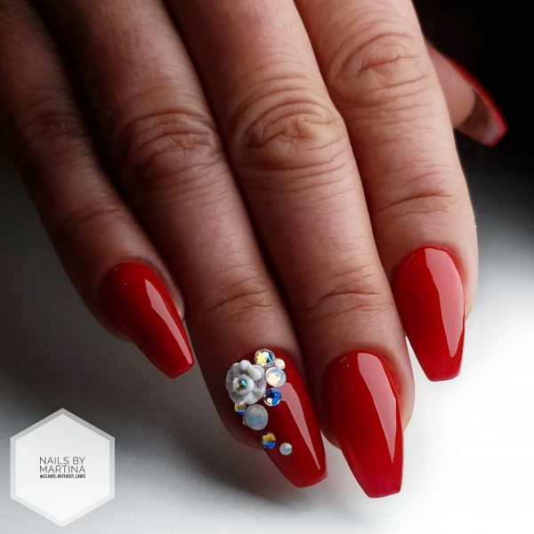 So Beautiful Red Coffin Nails with Accent Nail with Rhinestones!