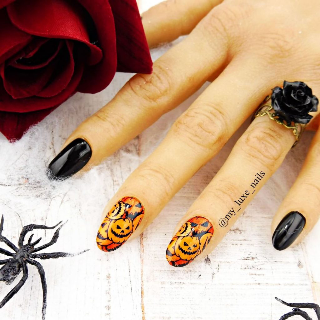 Stunning Pumpkin Halloween Press on Nails!