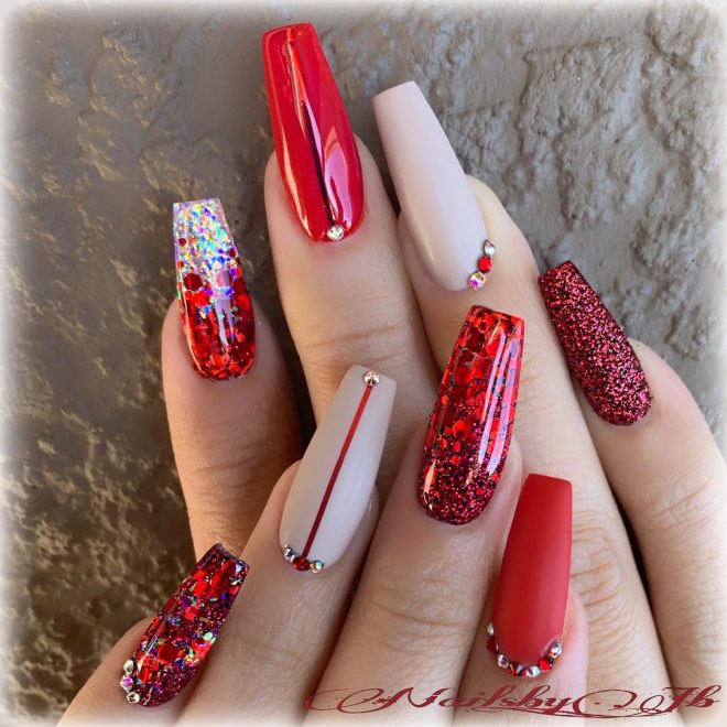 Amazing Red Glitter Christmas Nails