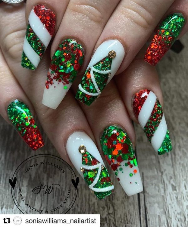 Christmas Nails Green And Red: The Cutest And Festive Christmas Nail Designs For Celebration