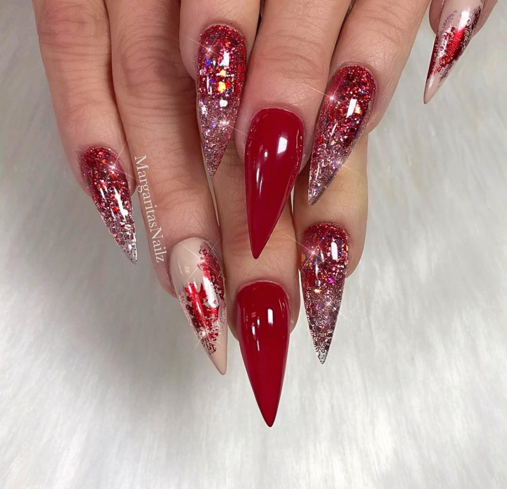 Christmas Stiletto Nails.The Cutest And Festive Christmas Nail Designs For Celebration