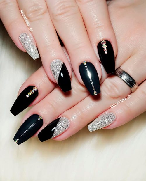 Amazing shiny and matte black and silver glitter nails!